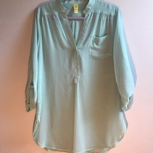 Francesca's Mint Blouse